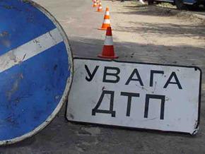 В Киеве столкнулись BMW-523, автобус ЛАЗ-697 и SUBARU и DAEWOO