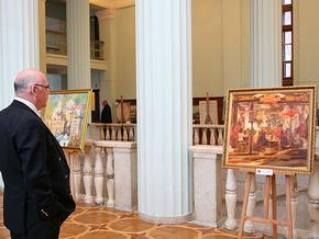 В мэрии открылась выставка художников