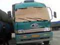 В Китае задержали водителя, который заменил лобовое стекло картоном