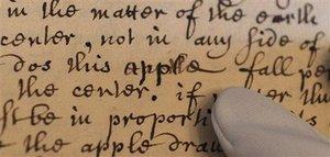 Британское королевское общество обнародовало оригинал истории про Ньютона и яблоко
