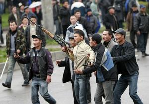 В Бишкеке власть уже полностью перешла к оппозиции.  Глава.
