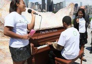 Фортепиано на улицах Нью-Йорка