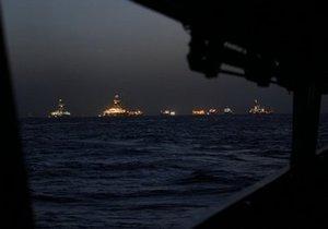 Шторм Бонни прерывает сбор нефти в Мексиканском заливе. Защитный купол остается без присмотра