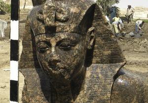 В Египте обнаружили статую фараона Аменхотепа