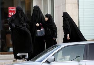 Власти ОАЭ разрешили мужчинам бить жен и детей, если это не оставляет синяков