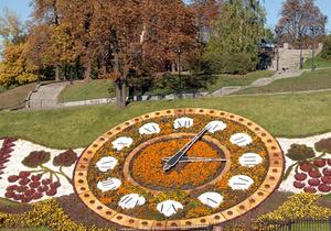 Цветочные часы в центре Киева демонтировали