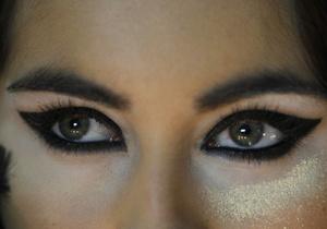 В Германии разработали вживляемый в глаз микрочип, который поможет вернуть зрение слепым людям
