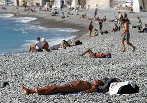 Франция намерена провести саммиты G-8 и G-20 на курортах