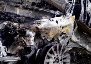 В Киеве на стоянке сгорели три автомобиля