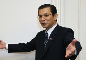 Японский министр отмечает нормализацию ситуации с поставками редкоземельных металлов из Китая