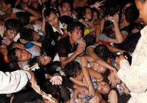 Число жертв давки в Камбодже достигло 339 человек