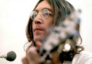 Выставлена на продажу пластинка с автографом Леннона для его убийцы