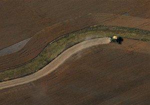 АП: Мораторий на продажу сельхозземель может быть снят в следующем году