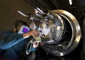 Работу адронного коллайдера продлят до 2012 года
