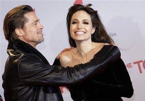 СМИ: Питт и Джоли сыграют индуистскую свадьбу