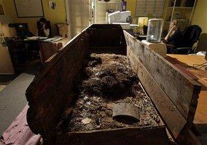 С молотка ушел гроб, в котором похоронили предполагаемого убийцу Кеннеди