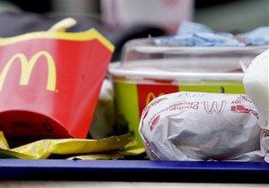 МВД: Ртуть в чизбургер из львовского McDonald's залила подруга потерпевшей