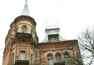 СМИ: Власти намерены реставрировать старинные особняки Киева и проводить там экскурсии