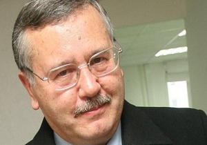 Гриценко: Ситуация в армии близка к катастрофе