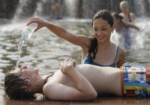 Метеорологи: Лето 2011 года не будет аномально жарким
