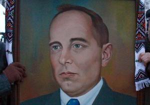 Львовский облсовет решил увековечить память Бандеры и Шухевича как Героев
