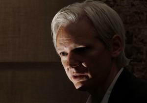 WikiLeaks выделил на защиту подозреваемого в передаче данных $15 тысяч