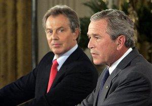 Британия отказалась рассекретить переписку Буша и Блэра накануне войны в Ираке
