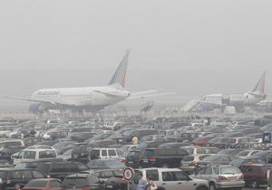 Очевидцы: Машины МЧС и скорой застряли на подъезде к Домодедово