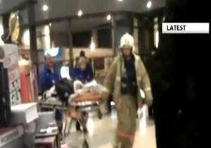 Очевидец: Залы и лестницы в Домодедово залиты кровью