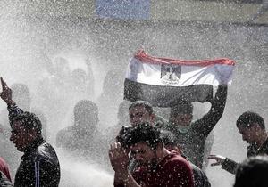Беспорядки в Египте: в стране введен комендантский час