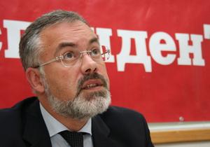 Ъ: Табачник вернул в украинские школы русскую литературу