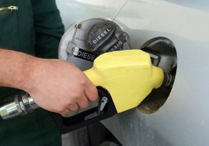 АМКУ перенес рассмотрение дела о резком росте цен на бензин