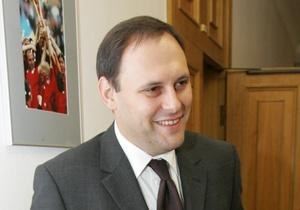 Каськив утверждает, что не является депутатом-совместителем