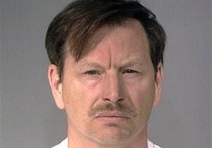 В США серийному убийце предъявили обвинение в 49-м убийстве