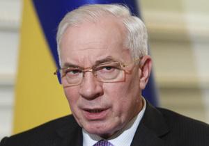 Азаров заявил, что договорился о снижении цен на гречку, сахар и подсолнечное масло