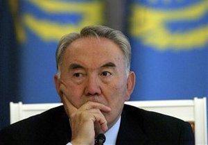 Депутат парламента Казахстана сравнил Назарбаева с солнцем