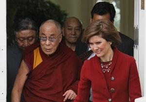 В США под колесами автомобиля погиб племянник Далай-ламы