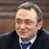 СМИ: Российский сенатор стал крупнейшим частным акционером ВТБ и претендует на часть Сбербанка