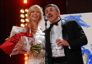Фотогалерея: Лечись и пой. Врач и певица стали самыми красивыми людьми Украины