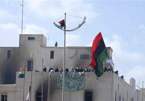 В Ливии продолжаются ожесточенные бои с оппозицией