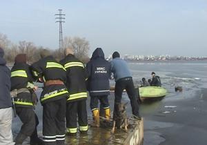 В Киеве под лед провалился рыбак