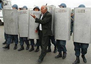 В столице Азербайджана разогнали митинг оппозиции