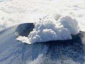 В Японии возобновилась активность вулкана Синмоэ