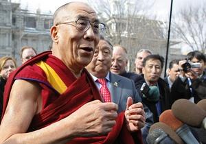 Далай-Лама официально объявил о прекращении своей политической деятельности