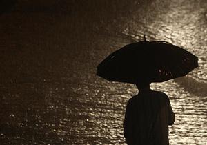 СМИ: Токио опустел. Люди с беспокойством ожидают дождя