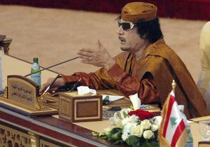 Военные США сообщают, что Каддафи вооружает добровольцев