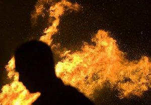 В Киеве в гаражном кооперативе произошел пожар
