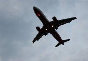 В США самолет со 118 пассажирами совершил аварийную посадку из-за дыры в крыше салона