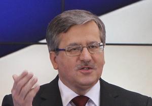 Самолетом и машиной: Президент Польши отправится в Смоленск через Москву