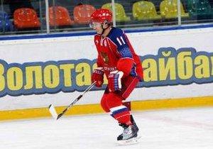 Путин о катании на коньках: Начинал ездить со стулом